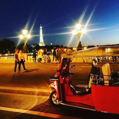 tuktuk by night