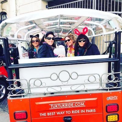 Pick up à domicile pour un EVJF en tuktuk